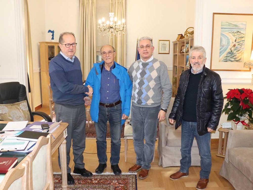 Σύμβαση για αποκατάσταση του οδικού δικτύου στην Κώμη υπέγραψε ο περιφερειάρχης