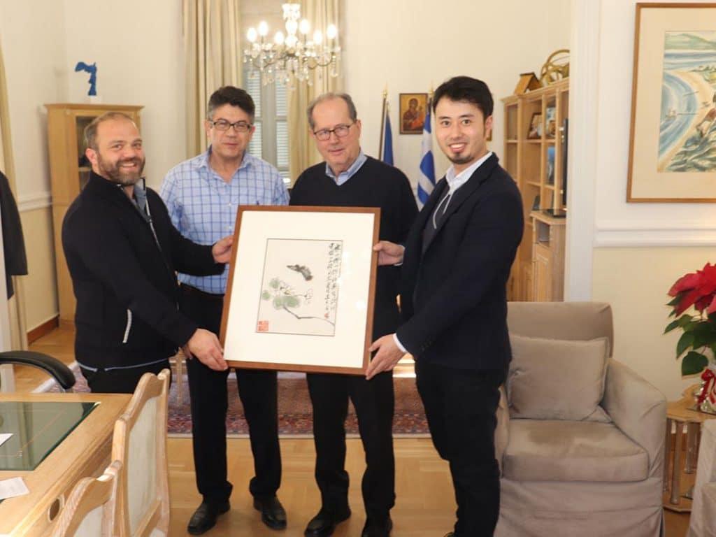 Συνάντηση του περιφερειάρχη Πελοποννήσου Παναγιώτη Νίκα με τον αντιπρόεδρο του Κινεζο – Ελληνικού Συνδέσμου Πολιτιστικής και Οικονομικής Ανάπτυξης Χονγκ Ζου