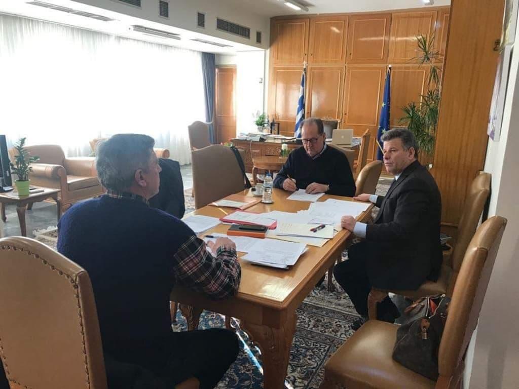 Έργα και μελέτες στην Π.Ε. Μεσσηνίας εξετάστηκαν σε σύσκεψη υπό τον περιφερειάρχη Π. Νίκα