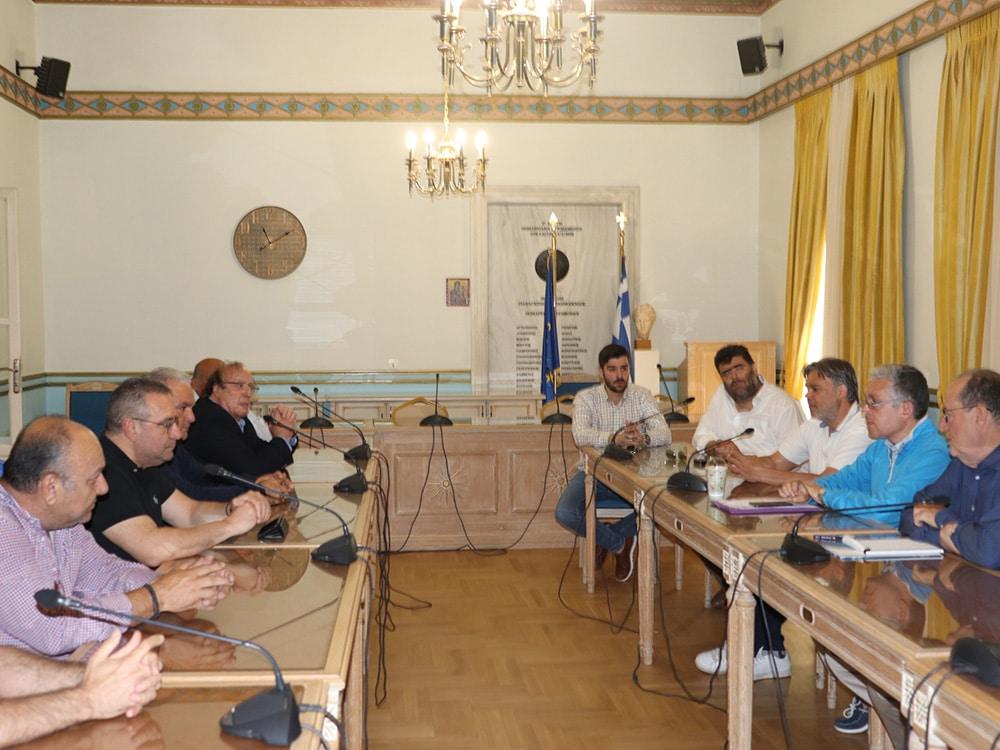 Συνάντηση του περιφερειάρχη Π. Νίκα με τους προέδρους των 5 υπεραστικών ΚΤΕΛ της Περιφέρειας