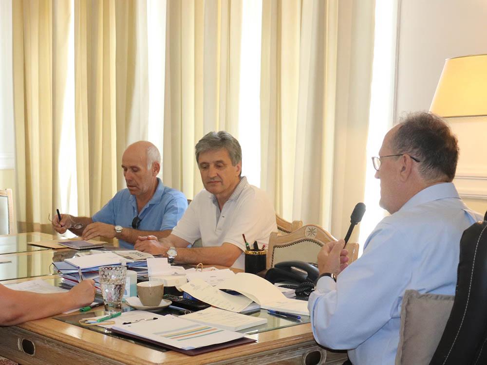 Ανησυχητικές διαπιστώσεις για την ελαιοπαραγωγή στη σύσκεψη του περιφερειάρχη Π. Νίκα με τους διευθυντές των ΔΑΟΚ