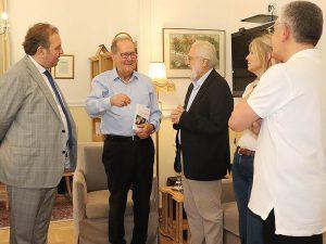 Με τον σκηνοθέτη Γ. Σμαραγδή συναντήθηκε ο περιφερειάρχης Π. Νίκας στην Τρίπολη