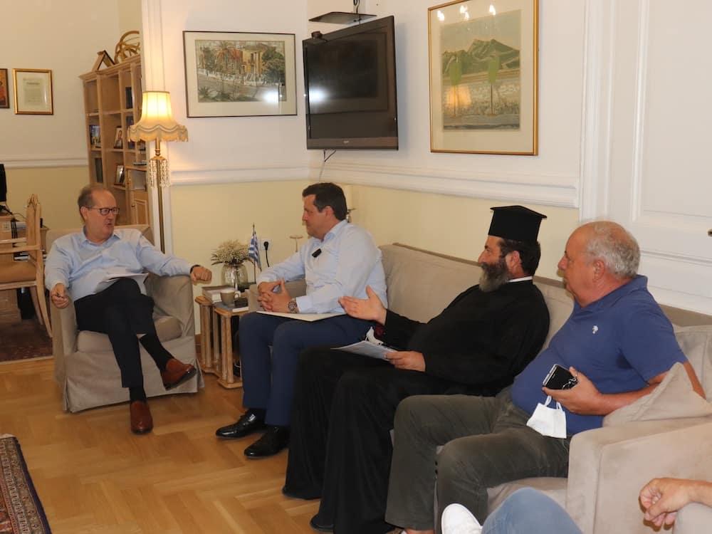 Παρεμβάσεις στον δρόμο Αστρος – Λεωνίδιο και υπογραφή σύμβασης για το αναρριχητικό πάρκο στον Αγιο Ανδρέα, στη συνάντηση Π. Νίκα με Γ. Καμπύλη