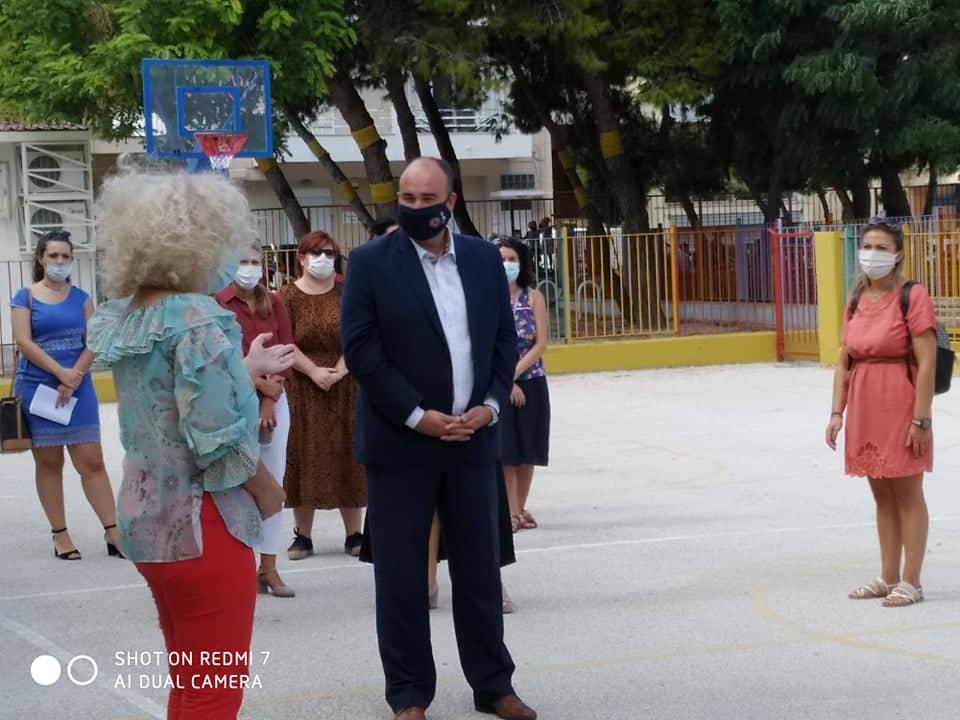 Στον αγιασμό στο Ειδικό Σχολείο Κορίνθου, για την έναρξη της νέας σχολικής χρονιάς, ο αντιπεριφερειάρχης Τ. Γκιολής