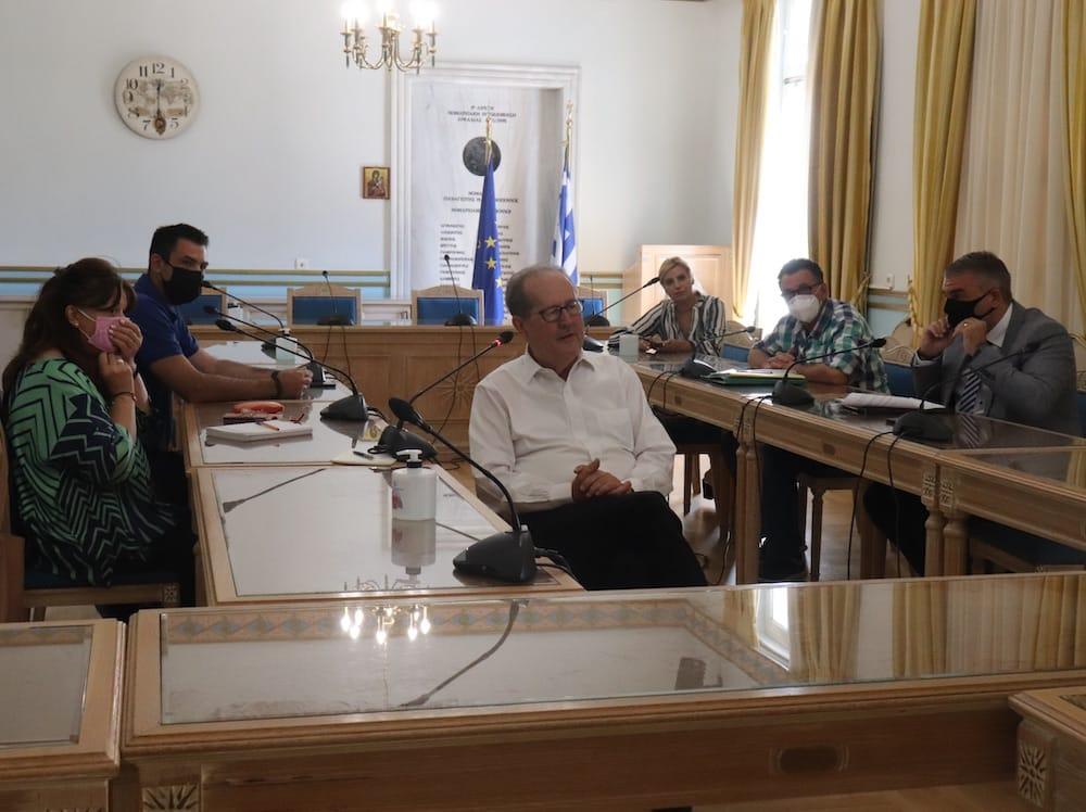 Σύσκεψη του περιφερειάρχη Π. Νίκα με τις υγειονομικές υπηρεσίες της Περιφέρειας