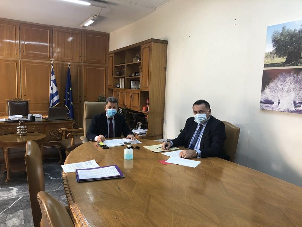 Συνάντηση στην Π.Ε. Μεσσηνίας με τον καθηγητή Παθολογίας Π. Χαλβατσιώτη