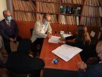 Υπογράφηκε από τον περιφερειάρχη Π. Νίκα το συμβόλαιο παραχώρησης από τη Μονή Κερνίτσας στην Περιφέρεια έκτασης για αθλητικό κέντρο στη Βυτίνα