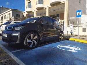 Υπογράφηκε από τον περιφερειάρχη Πελοποννήσου Π. Νίκα η σύμβαση για την προμήθεια 4 ηλεκτρικών αυτοκινήτων