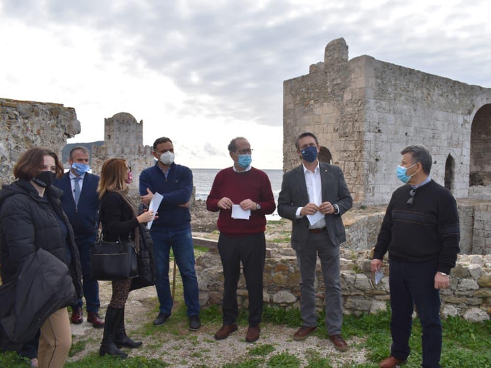 Μνημεία και έργα στη νοτιοδυτική Μεσσηνία επισκέφθηκαν ο περιφερειάρχης Π. Νίκας και ο γ.γ. του υπουργείου Πολιτισμού Γ. Διδασκάλου