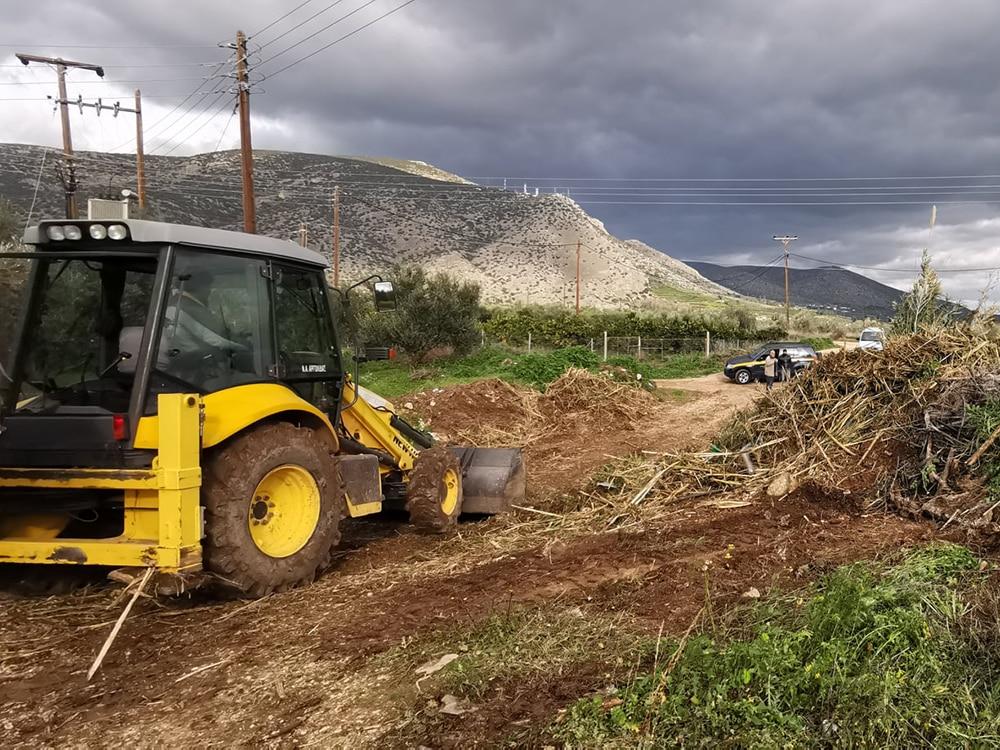 Εργασίες καθαρισμού στο ρέμα Κυρίμι, στο Κεφαλάρι, από την Π.Ε. Αργολίδας