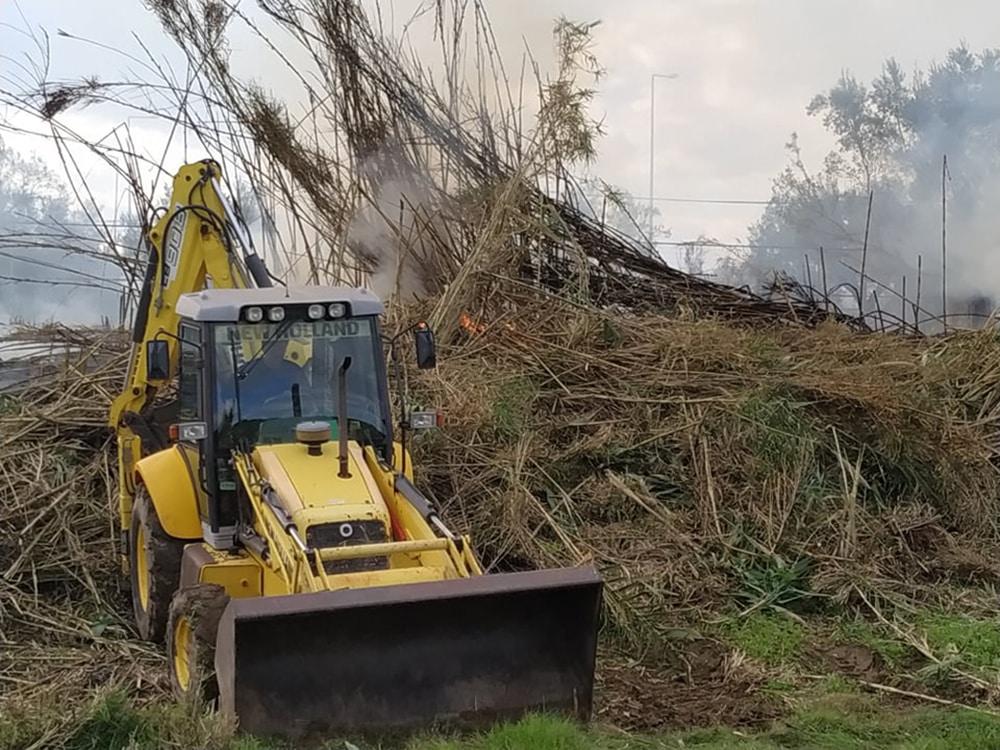 Καθαρισμός της όχθης του χειμάρρου στο Ραμαντάνι