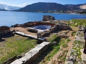Στις αρχαιολογικές εργασίες στο αρχαίο λιμάνι των Κεγχρεών ο αντιπεριφερειάρχης Κορινθίας Τ. Γκιολής