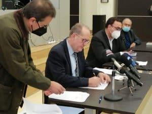 Συμβάσεις έργων περί τα 3 εκ ευρώ υπέγραψε στην Σπάρτη σήμερα Τρίτη ο περιφερειάρχης Πελοποννήσου Π. Νίκας
