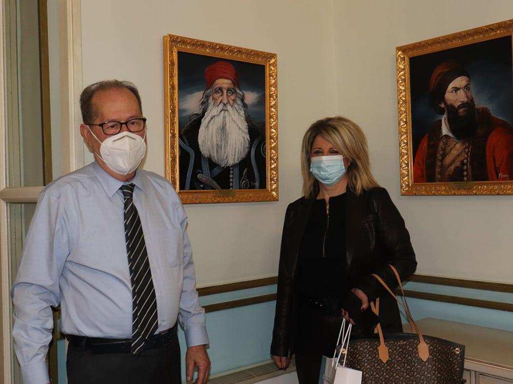 Συνάντηση του περιφερειάρχη Πελοποννήσου Π. Νίκα με την δήμαρχο Οιχαλίας Γ. Γεωργακοπούλου