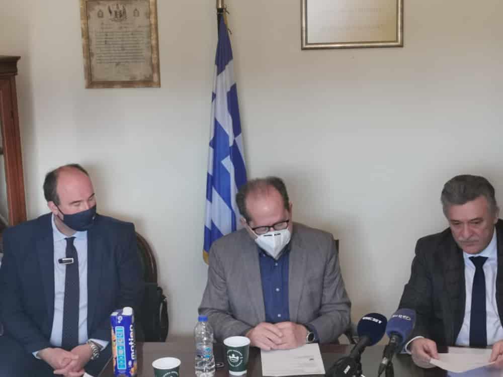 Τρεις προγραμματικές συμβάσεις για έργα στα πυρόπληκτα του Δήμου Κορινθίων υπέγραψε ο περιφερειάρχης Π. Νίκας στα Αθίκια
