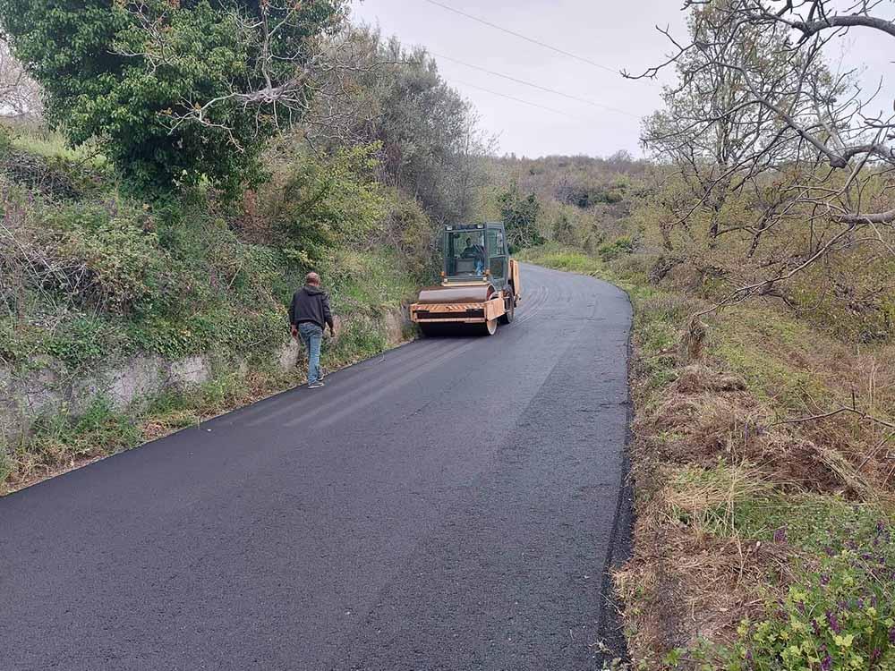 Βελτιώνεται το επαρχιακό οδικό δίκτυο προς την περιοχή της Άρνας