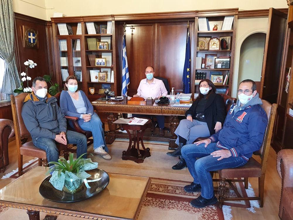 Συνάντηση Αντιπεριφερειάρχη με εκπροσώπους του Ερυθρού Σταυρού Ν. Κορινθίας