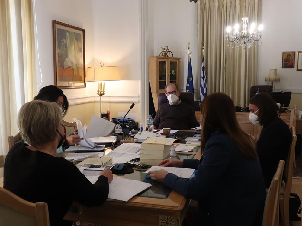 Σύσκεψη για τουριστικά θέματα υπό τον περιφερειάρχη Π. Νίκα