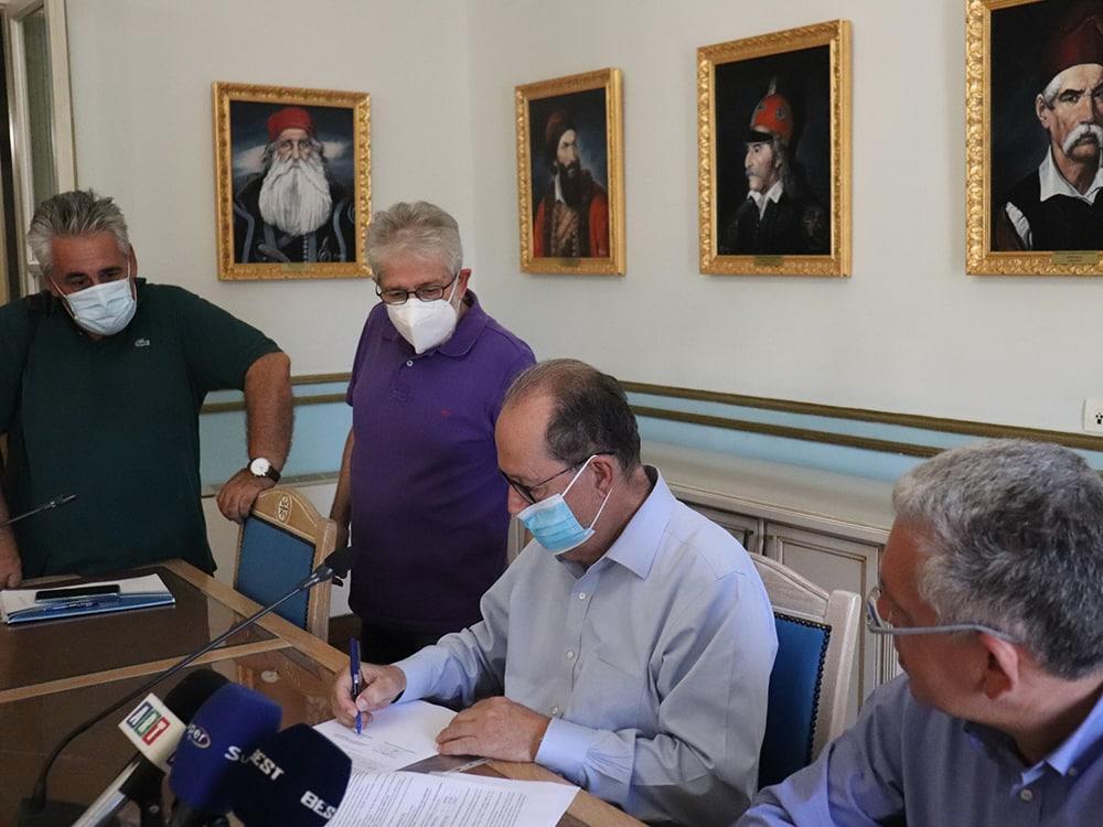 Συμβάσεις έργων 774.400 ευρώ για την Αρκαδία υπέγραψε ο περιφερειάρχης Πελοποννήσου Π. Νίκας