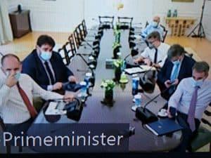 Εντατικοποίηση της καμπάνιας για τον εμβολιασμό εναντίον της covid-19 ζήτησε ο πρωθυπουργός Κ. Μητσοτάκης στη σύσκεψη με τους περιφερειάρχες