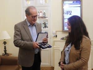 Συνάντηση του περιφερειάρχη Πελοποννήσου Π. Νίκα με την διευθύντρια της Σχολής Αργυροχρυσοχοΐας Στεμνίτσας