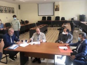 Συμβάσεις ύψους περί τις 800.000 ευρώ υπέγραψε ο περιφερειάρχης Πελοποννήσου Π. Νίκας στην Κυπαρισσία