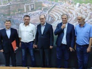 Συμβάσεις περί τις 600.000 ευρώ υπέγραψε ο περιφερειάρχης Πελοποννήσου Π. Νίκας στη Μεσσηνία